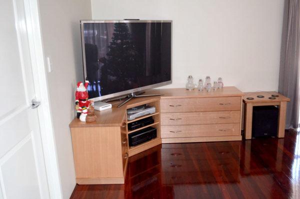 Harrisdale Corner Tasmanian Oak TV Unit