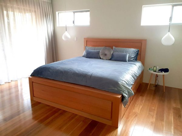 Bedfordale King Bed Drawers
