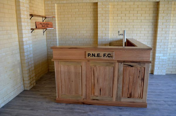 Clarkson-Bar-2 Timber Furniture