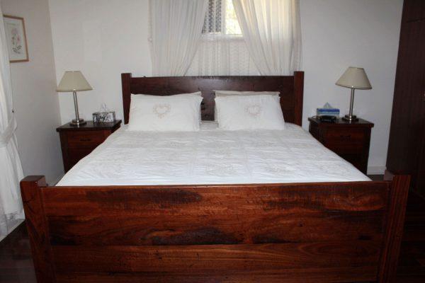 Dandaragan King Bed