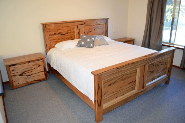 Hillarys Marri King Bed